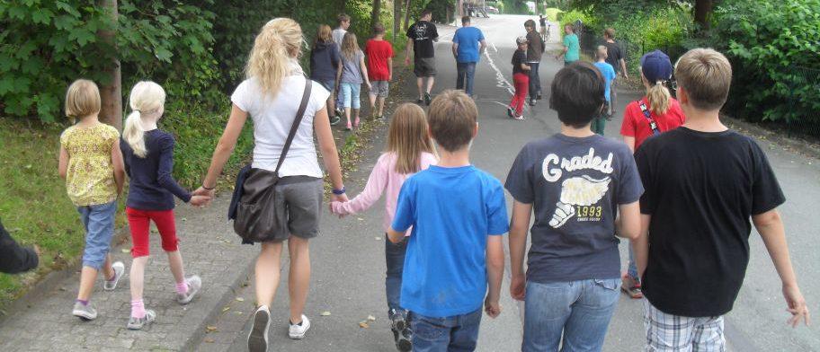 Dorfspiel – Erste Aktion für Kinder