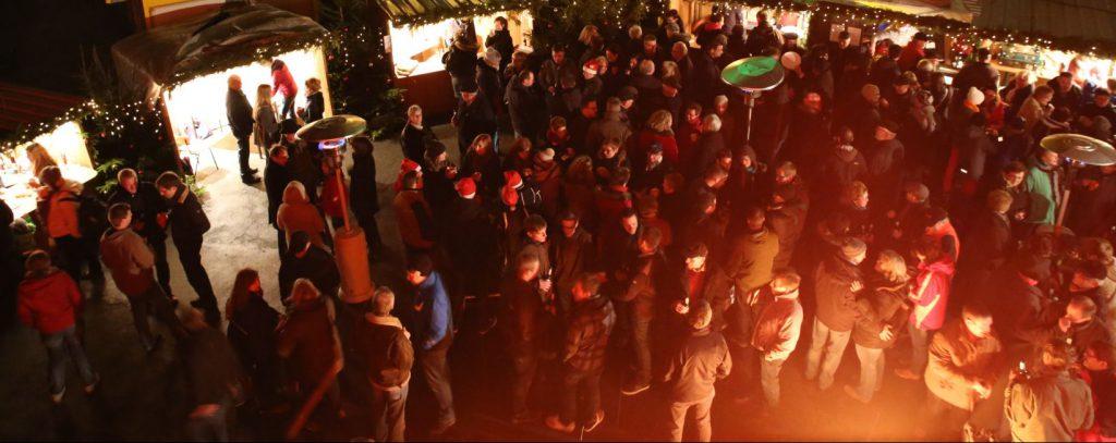 Erster Weihnachtsmarkt